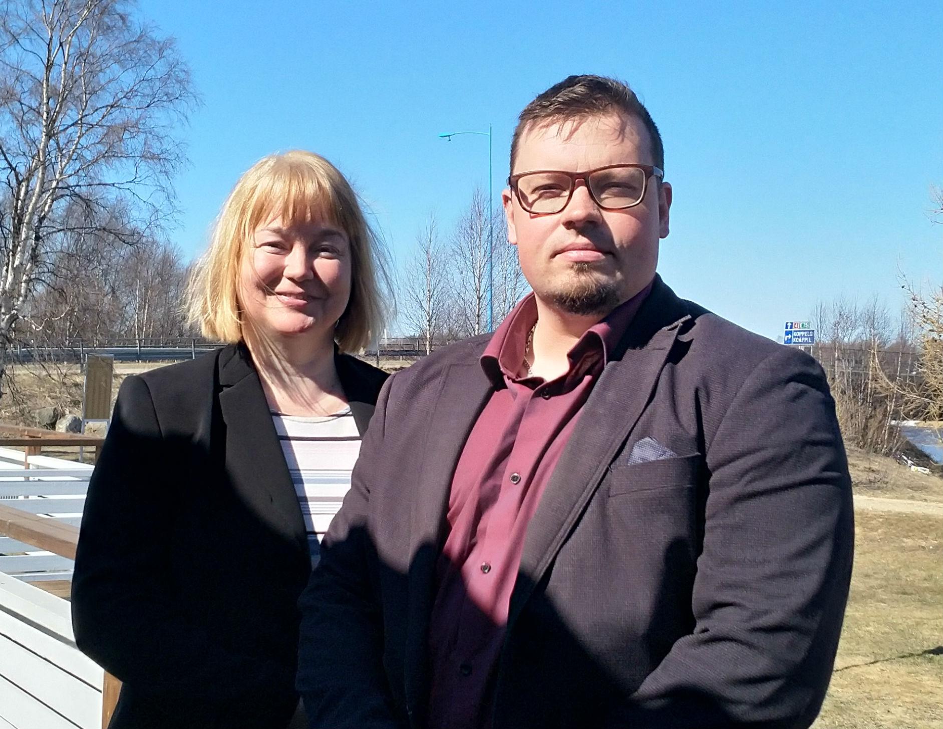 Murmanskin konsuli Sari Kantola ja Inarin kunnanjohtaja Toni K. Laine