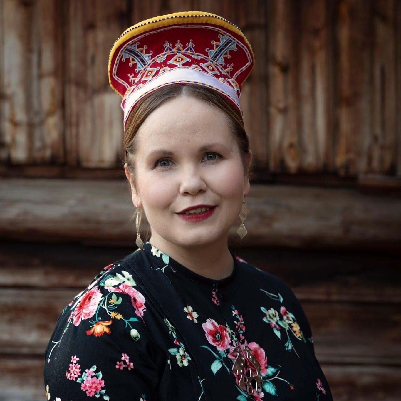 Hanketyöntekijä Anna Lumikivi