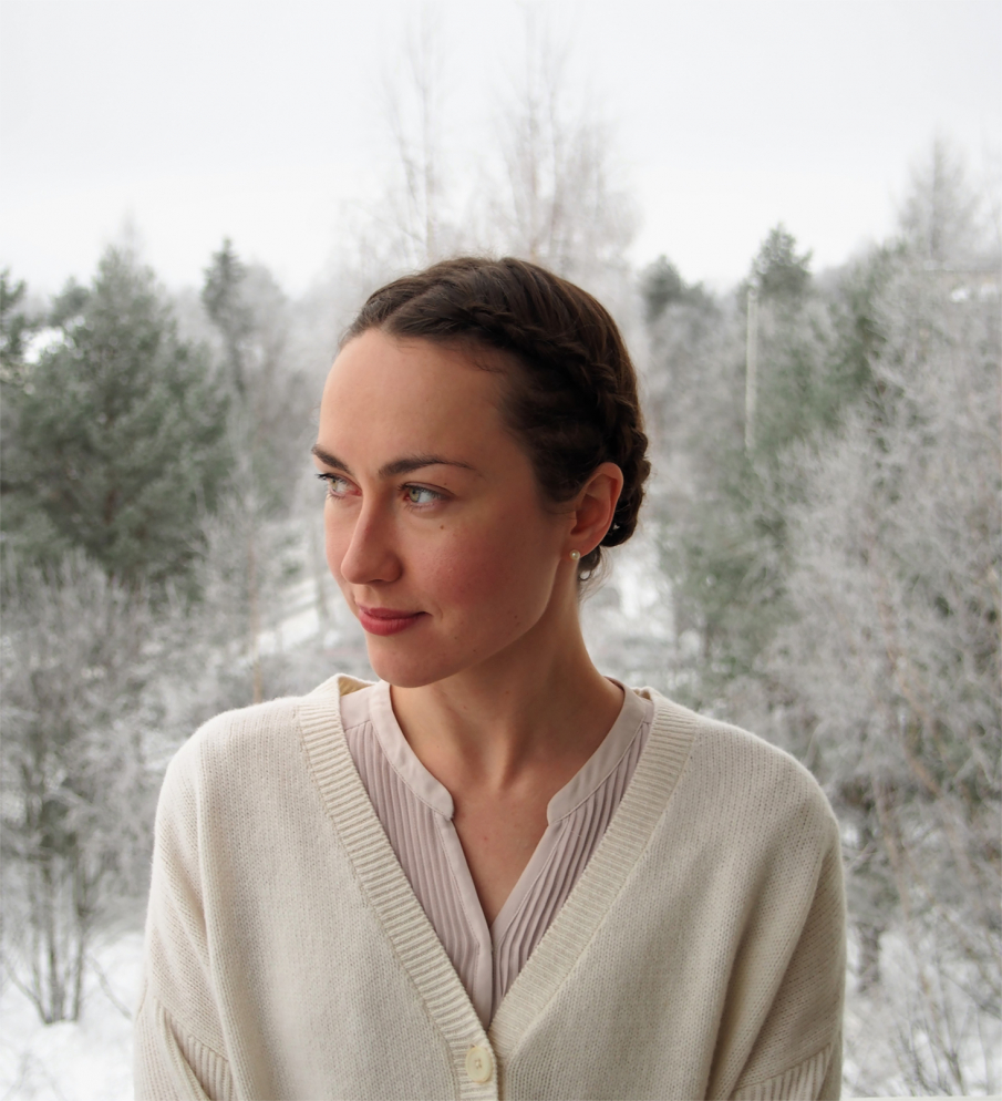 Luennoitsija Elina Ahola