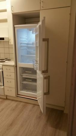asunnon nro 1 minikeittiön jääkaappi-pakastin