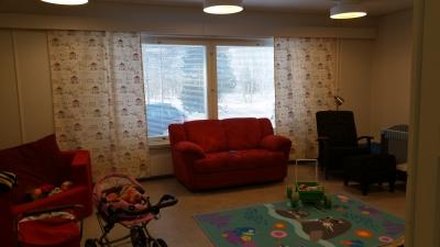 Kalottikeskuksen asunto nro 3 on iso ja valoisa huoneisto ja se sopii moneen  käyttöön, kodiksi, toimistoksi tai muuksi työtilaksi.