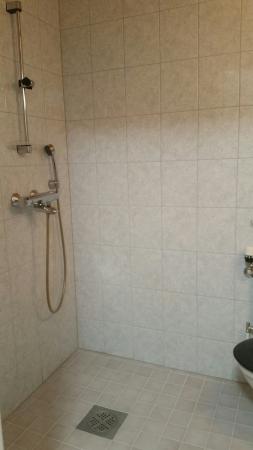 asunto nro 5, wc-suihku